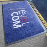 tapis d'accuiel imprimé et personnalisé avec votre logo